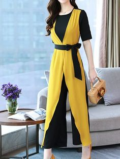 Swans Style is the top online fashion store for women. Shop sexy club dresses, jeans, shoes, bodysuits, skirts and more. Modest Outfits, Simple Outfits, Classy Outfits, Chic Outfits, Fashion Outfits, Pakistani Dresses Casual, Indian Fashion Dresses, Girls Fashion Clothes, Unique Dresses