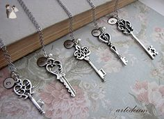 Will you be my bridesmaid Gift Set of five Necklaces Keys in antique silver with Personalized Initials - Wedding nacklaces (*Amazon Partner-Link)