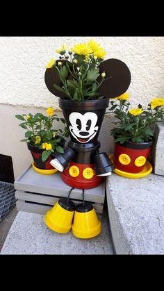 25 Simple Easy Flower Pot Painting Ideas aux-pays-des-fleu 25 einfache einfache Blumentopf-Malideen im Pays-des-Fleu Flower Pot Art, Clay Flower Pots, Flower Pot Crafts, Painted Flower Pots, Painted Pots, Clay Pots, Clay Pot Projects, Clay Pot Crafts, Garden Crafts