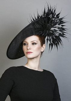 R1689 - Black fine straw sidesweep hat with arrow feathers