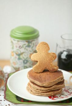 Low fat Gingerbread Pancakes - make these for Christmas Breakfast - Low calorie, healthy