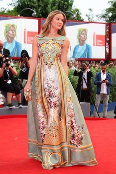 Fiametta Cicogna in Alberta Ferretti Limited Edition #VeniceFilmFestival