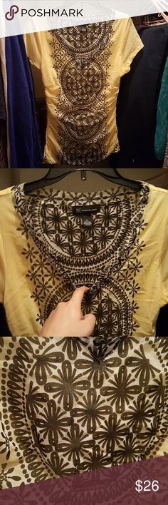 JUST IN INC Yellow top Fully lined Nylon v neck top. Cap sleeves. Gorgeous print INC International Concepts Tops
