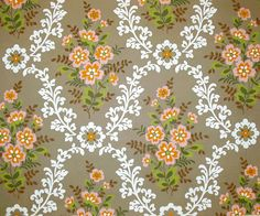 Country-chic vintage elegance abounds in this darling rosebud wallpaper. Linen Wallpaper, Retro Wallpaper, 1960s Home Decor, Vintage Floral Wallpapers, Vintage Textiles, Textures Patterns, Backdrops, Modern, 1960s House