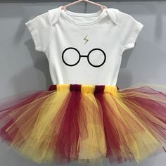 Harry Potter Costume Harry Potter Outfit - Harry Potter Onesie Bodysuit - Harry Potter Tutu - Harry Potter Cake Smash - Harry Potter Birthday - Harry Potter Party - Harry Potter First Birthday Outfit - Baby Harry Potter, Harry Potter Shirts, Harry Potter Enfants, Harry Potter Nursery, Harry Potter Baby Shower, Harry Potter Outfits, Harry Potter Theme, Diy Harry Potter Costume, Harry Potter Baby Clothes
