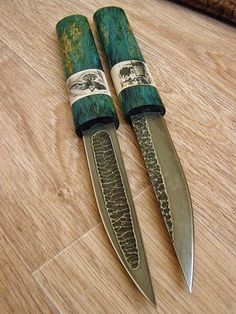 Among the most crucial things in your bug out bag is your bag itself. You're going to be bring a lot of materials, likely over fars away. Cool Knives, Knives And Tools, Knives And Swords, La Forge, Damascus Knife, Knife Art, Swords And Daggers, Best Pocket Knife, Handmade Knives