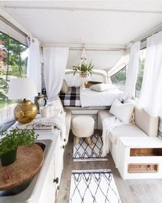 Extraordinary Vintage Camper Interior Ideas, Your camper is really the sweetest. To begin with, let's talk about things you ought to search FOR in your prospective camper. Vintage campers are ava. Happy Campers, Rv Campers, Camper Trailers, Small Campers, Trailer Tent, Pop Up Trailer, Teardrop Campers, Food Trailer, New Pop Up Campers