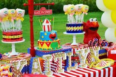 Let Brittany Schwaigert show you how to throw a super cute Elmo Circus Party, with a little help from BirthdayExpress! Bring the Big Top to Sesame Street! Baby Boy Birthday, Circus Birthday, Circus Party, 1st Boy Birthday, Boy Birthday Parties, Birthday Party Decorations, Birthday Ideas, Party Themes, Elmo Party