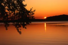 http://exotic-places.info/tranquil-waters-at-sunset.html