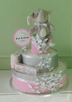 torta con 122 pannolini