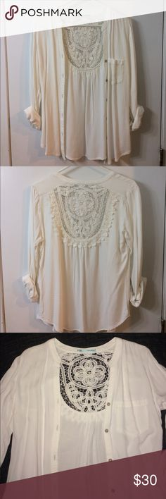 White lace embellished top 🌟Whit long sleeved lace embellished top in excellent condition. Worn once. Maurices Tops Button Down Shirts