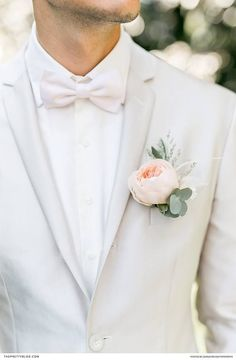 Grey Suits - Light grey grooms suit with light pastel pink flower and soft pink bouquet Light Grey Suits Wedding, Grey Tux Wedding, Wedding Attire, Light Grey Suit Men, Black Suits, Gray Groomsmen Suits, Groom And Groomsmen Attire, Groom Suits, Mens Prom Suits