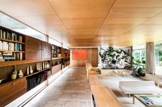 This Mid Century Modern by Peter Womersley is a unique and special opportunity.The house was built in 1957 commissioned by textile designer Bernat Klein Interior Architecture, Interior Design, Chinese Architecture, Futuristic Architecture, Interior Plants, Mid Century House, Mid Century Design, Midcentury Modern, House Design