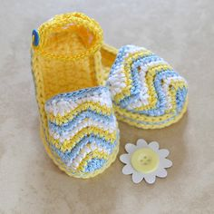 "Ravelry: ""Chasing Chevrons"" Baby Sandals by Jennifer Pionk"