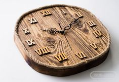 Reclaimed wood and reclaimed bricks in interior design Handmade Clocks, Unique Clocks, Clock Art, Diy Clock, Outdoor Clock, Wall Clock Design, Wood Clocks, Reclaimed Wood Furniture, Wood Gifts