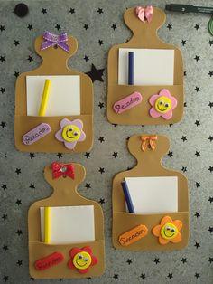 Crea unos bellos porta notas para colocar en tu cocina usando foamy o goma eva. Kids Crafts, Crafts For Seniors, Foam Crafts, Diy Home Crafts, Diy Arts And Crafts, Craft Stick Crafts, Creative Crafts, Preschool Crafts, Paper Crafts