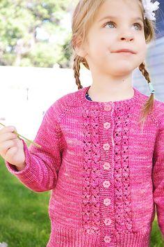 Make Mine Strawberry Knitting pattern by Terri Kruse Arm Knitting, Knitting For Kids, Knitting Projects, Knitting Ideas, Christmas Knitting Patterns, Knitting Patterns Free, Universal Yarn, Paintbox Yarn, Yarn Brands