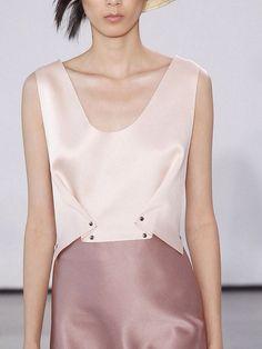 inspiration mode origami femme robe longue mode futuriste