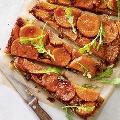 Tarte renversée aux patates douces—Voir la recette Valeur Nutritive, Nutrition, Calories, Tuna, Muffins, Fish, Snacks, Cakes, Goat Cheese