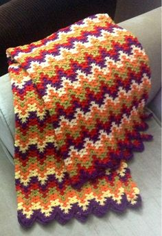Liesure Arts Lacy Chevron, I also call it Amish Ripple. Crochet Fall, Knit Or Crochet, Crochet Hooks, Afghan Crochet Patterns, Crochet Stitches, Knitting Designs, Crochet Designs, Crochet Bedspread, Crochet Afgans
