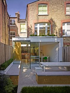 Well House is a total refurbishment of an Edwardian terraced property, with a side and rear extension and comprises of full ground floor reconfiguration, a single story lower ground floor full House Extension Design, Glass Extension, Rear Extension, House Design, Extension Google, Extension Ideas, Edwardian House, Victorian Terrace, Patio Interior