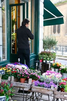 Flower shop in Provence...wonderful! My future business