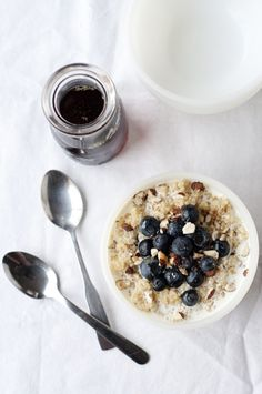 Breakfast Quinoa with Fresh Berries - love that you could make it on Sunday, and just warm it up during the week.