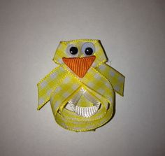 Adorable Easter Chick Hairbow!  You can make this easy craft!