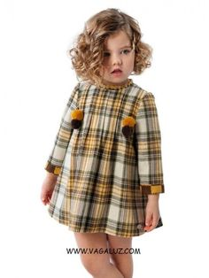 VESTIDO DE NIÑA JOSE VARON CUADROS - Vagaluz Little Girl Outfits, Little Girl Fashion, Little Dresses, Little Girl Dresses, Kids Outfits, Kids Fashion, Top Mode, Baby Dress Design, Toddler Girl Style