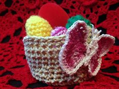 Egg Crochet and small Basket with Butterfly Cosulet crosetat fir bumbac