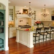 Obsessed with this kitchen-- I see a reno in my future! (consisting solely of paint and hardware!)
