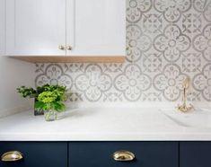 Trendy Ideas For Kitchen Decor Blue Backsplash Ideas Blue Tile Backsplash Kitchen, Backsplash Wallpaper, Kitchen Wallpaper, Backsplash Ideas, Tile Countertops, Tile Ideas, Wall Paper Backsplash, Patterned Kitchen Tiles, Copper Kitchen
