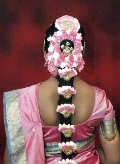 Pink and white floral bridal hair. <3