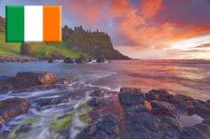 Irland ist nicht zuletzt wegen der schönen Natur eine Reise wert. Doch bevor man sich auf die Reise begibt, sollte man sich auch die Reisekasse Gedanken machen. Der Bericht http://www.geld-abheben-im-ausland.de/geld-abheben-in-irland informiert über die Landeswährung Pfund, Geld und Zahlungsmittel in Irland und verrät, wie sich hohe Bankgebühren beim Geld abheben in Irland vermeiden lassen, indem man mit der richtigen Karte an den irischen Geldautomaten abhebt.