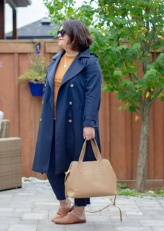 sezane scott trench navy outfit Navy Trench Coat, Trench Coat Outfit, Trench Coat Style, Stylish Coat, Striped Tee, Beachwear, Swimwear, Outfit Of The Day, Winter Fashion