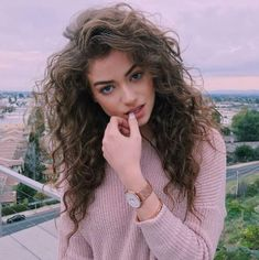 hair inspiration curly Long curly voluminous gypsy hair with tapered ends. curly hair cuts with layers Curly Hair Cuts, Curly Hair Styles, Natural Hair Styles, Girls With Curly Hair, Gypsy Hair, Pretty Hairstyles, Hairstyles 2018, Latest Hairstyles, Wavy Hairstyles