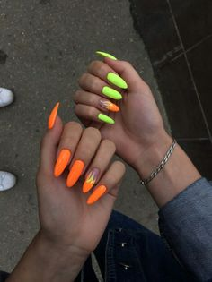 Orange and green neon nails – ChicLadies. Edgy Nails, Aycrlic Nails, Neon Nails, Stylish Nails, Stiletto Nails, Swag Nails, Summer Acrylic Nails, Best Acrylic Nails, Neon Orange Nails