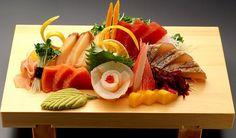 sashimi misto Sushi Love, My Sushi, Asian Foods, Asian Recipes, Ethnic Recipes, Japanese Food Sushi, Sashimi Sushi, Food Plating, Fett