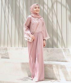 Kaftan Modern, Dress Muslim Modern, Dress Brokat Modern, Kebaya Modern Dress, Kebaya Dress, Dress Pesta, Kebaya Hijab, Hijab Gown, Hijab Dress Party