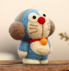 Doraemon with Headphone Rabbit Wool Felting Kit by AnnetteLounge                                                                                                                                                                                 Mais