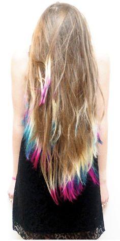 Tie dyed hair is soo cute.