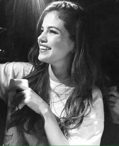 - jessica xxx - - selbstbewusst - j. Fotos Selena Gomez, Selena Gomez Pictures, Alex Russo, Jonas Brothers, Gal Gadot, Sabrina Carpenter, Demi Lovato, Miley Cyrus, Selena Gomez Wallpaper