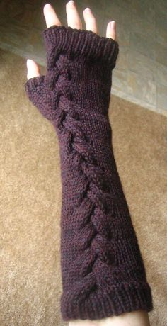 Ravelry: rizny's Lava Handwarmers. Someday when I can knit better I will make these. They are so pretty!