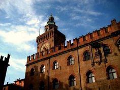 """Palazzo D'accursio   """"Bologna, la gotica: 10 cose da vedere"""""""