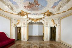 """The """"stucco room"""", floor of Palazzo Papadopoli, decor by Guggenheim around the ceiling attributed to Giambattista Tiepolo. Shabby Chic Furniture, Shabby Chic Decor, Furniture Sets, Architectural Antiques, Reception Rooms, 2nd Floor, Palazzo, Valance Curtains, Dollhouse Miniatures"""