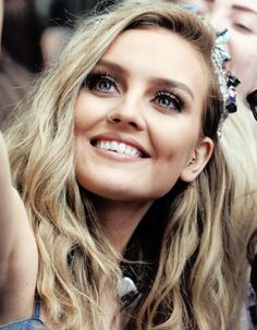 no offence to anyone who is a fan of zayn but can I just say I think he is a serious idiot for cheating on perrie, and I know there are rumours that she cheated on him, but he broke up with her. not the other way round. I'm actually kind of happy they broke up, because now perrie can find someone so much better (: