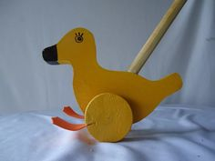 patinho brinquedo  de madeira para empurrar educativo