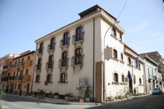 Hotel rooms are spacious and bright, equipped with all that is necessary to ensure a pleasant stay in Scilla. Located just a few steps away from the sea, in maximum comfort and relaxation.  www.UBais.it
