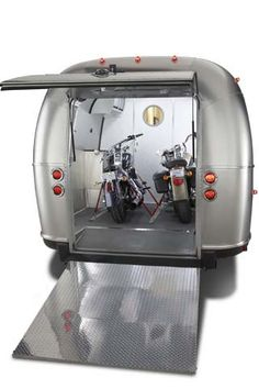 We were chatting with a friend last night and found out that Airstream is (was) in the Toy Hauler business. This is the Pan American 34' from Airstream. Apparently they did not make very many but it was attractive for toys and for loading a wheelchair as well. What do you think about shiny aluminum toy haulers? #airstream https://plus.google.com/101460858972237182119/posts/9t9VsGyxHtJ