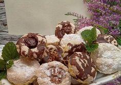 Diós kosárka | Erika receptje - Cookpad receptek Cookies, Chocolate, Dios, Crack Crackers, Biscuits, Chocolates, Cookie Recipes, Brown, Cookie